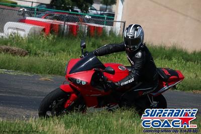 superbikecoach_corneringschool_2019april28_groupB_16
