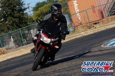 23superbikecoach_corneringschool_2018sept23_23