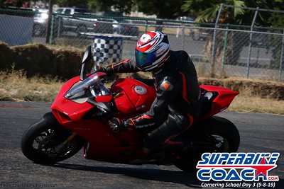 superbikecoach_corneringschool_2019sept08_GroupA_15