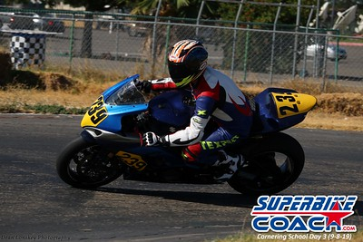 superbikecoach_corneringschool_2019sept08_GroupA_10