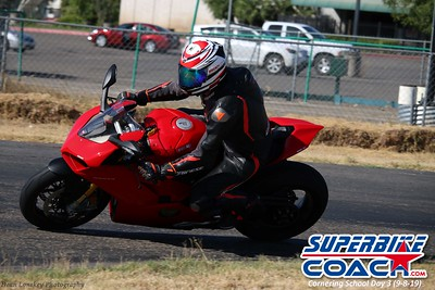 superbikecoach_corneringschool_2019sept08_GroupA_14