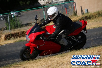 superbikecoach_corneringschool_2019sept08_GroupA_18