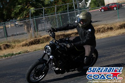superbikecoach_corneringschool_2019sept08_GroupA_26