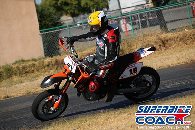 superbikecoach_corneringschool_2019sept08_GroupA_20