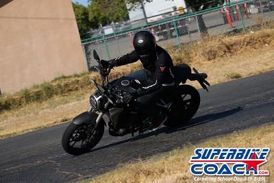 superbikecoach_corneringschool_2019sept08_GroupB_7