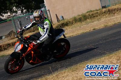 superbikecoach_corneringschool_2019sept08_GroupB_25