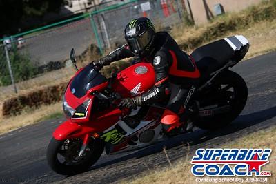superbikecoach_corneringschool_2019sept08_GroupB_16