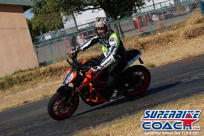 superbikecoach_corneringschool_2019sept08_GroupB_24