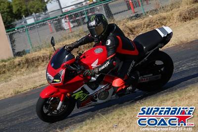 superbikecoach_corneringschool_2019sept08_GroupB_15