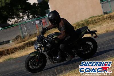 superbikecoach_corneringschool_2019sept08_GroupB_23
