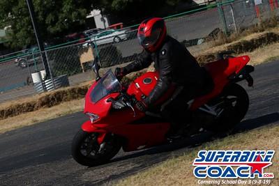 superbikecoach_corneringschool_2019sept08_GroupB_28
