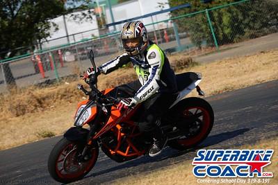 superbikecoach_corneringschool_2019sept08_GroupB_4