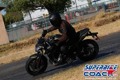 superbikecoach_corneringschool_2019sept08_GroupB_22