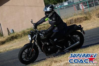 superbikecoach_corneringschool_2019sept08_GroupC_11