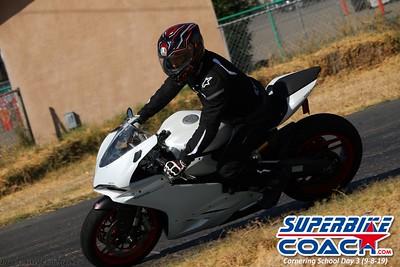 superbikecoach_corneringschool_2019sept08_GroupC_25