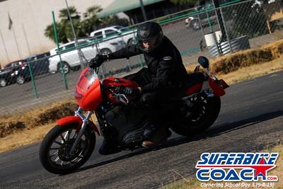 superbikecoach_corneringschool_2019sept08_GroupC_19