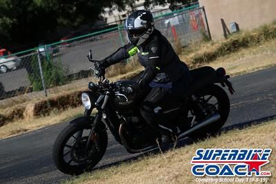 superbikecoach_corneringschool_2019sept08_GroupC_12