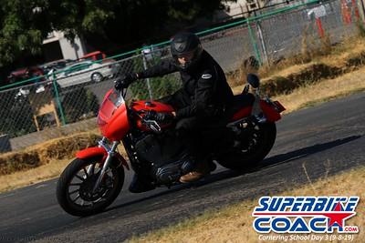 superbikecoach_corneringschool_2019sept08_GroupC_18