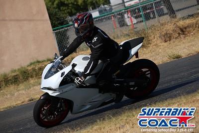 superbikecoach_corneringschool_2019sept08_GroupC_6