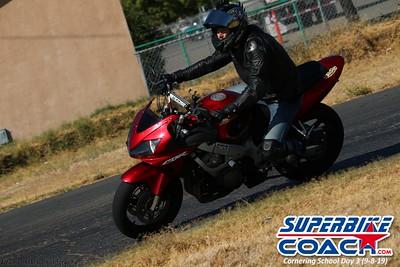 superbikecoach_corneringschool_2019sept08_GroupC_27