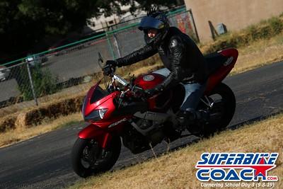 superbikecoach_corneringschool_2019sept08_GroupC_28