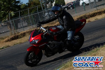 superbikecoach_corneringschool_2019sept08_GroupC_10
