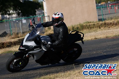 superbikecoach_track_academy_2019october06_GroupB_14