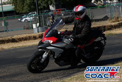 superbikecoach_track_academy_2019october06_GroupB_16