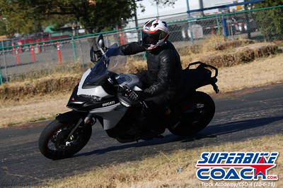 superbikecoach_track_academy_2019october06_GroupB_13