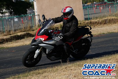superbikecoach_track_academy_2019october06_GroupB_15