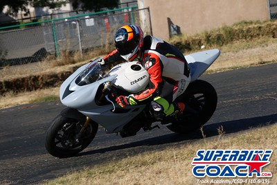 superbikecoach_track_academy_2019october06_GroupB_17