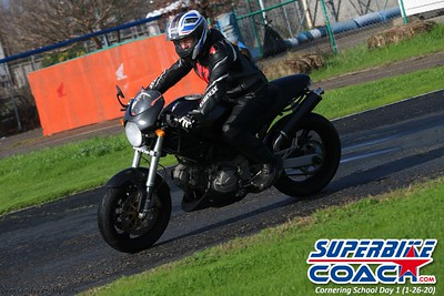 superbikecoach_corneringschool_2020_january26_GroupB_5