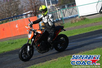 superbikecoach_corneringschool_2020_january26_GroupB_11