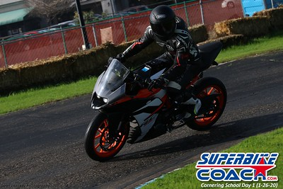 superbikecoach_corneringschool_2020_january26_GroupB_14
