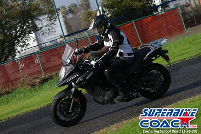 superbikecoach_corneringschool_2020_january26_GroupB_15