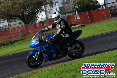 superbikecoach_corneringschool_2020_january26_GroupB_2