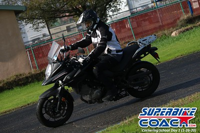 superbikecoach_corneringschool_2020_january26_GroupB_16
