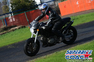 superbikecoach_corneringschool_2020_january26_GroupB_6