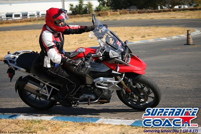superbikecoach_corneringschool_2017october08100_