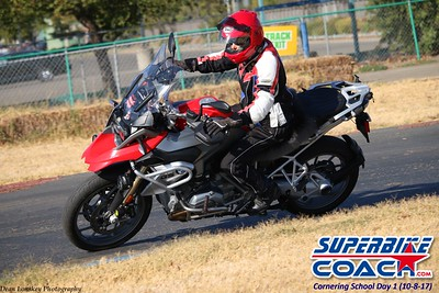 superbikecoach_corneringschool_2017october0811_