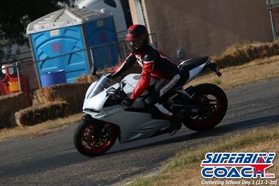 Superbike-coach Cornering School Day 1