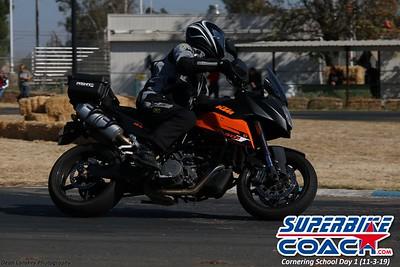 superbikecoach_corneringschool_2019novemeber03_GroupA_18
