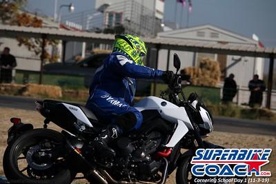 superbikecoach_corneringschool_2019novemeber03_GroupA_10