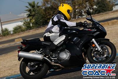 superbikecoach_corneringschool_2019novemeber03_GroupA_27
