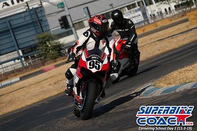 superbikecoach_corneringschool_2019novemeber03_GroupA_21