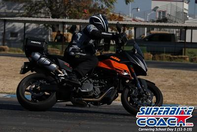 superbikecoach_corneringschool_2019novemeber03_GroupA_1