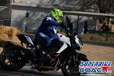 superbikecoach_corneringschool_2019novemeber03_GroupA_9