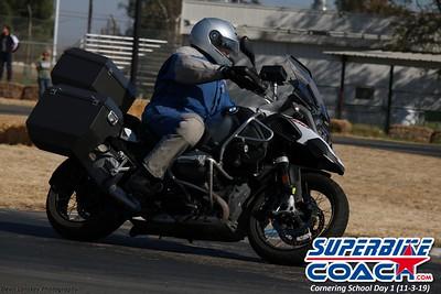 superbikecoach_corneringschool_2019novemeber03_GroupA_3