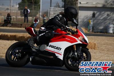 superbikecoach_corneringschool_2019novemeber03_GroupA_13