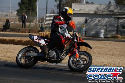 superbikecoach_corneringschool_2019novemeber03_GroupA_7